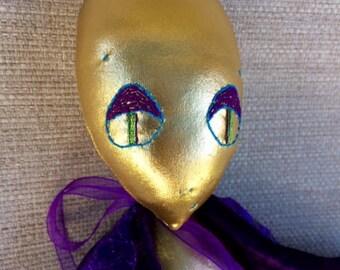 Unique Alien Doll - IAM 5