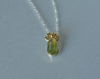 Green Sapphire Pendant, Natural Sapphire in Gold Pendant Necklace, Floral Pendant, Nature Inspired, Sapphire Jewelry, Gift for Her
