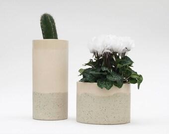Pink plant pot. Speckled ceramic planter pot. Speckled planter.  Pink plant pot indoor. Modern ceramics. Planters for succulents. Pottery.