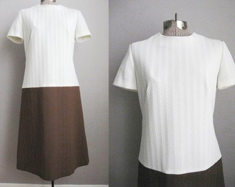 1960s Vintage Dress Mod Brown Cream Color Block 60s Shift Dress A Line / Small