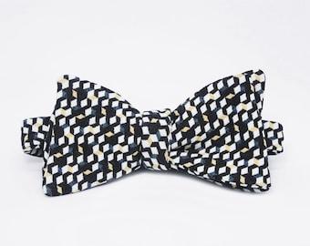 Cubical Self Tie Bow Tie