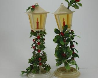 Vintage Plastic Lanterns Street Light Lamp Post Holly Mistletoe Holiday Christmas Ornament Decor Centerpiece