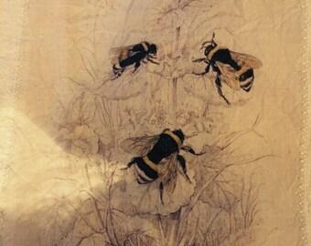 Bumble Bee 100% cotton flour sack tea towel