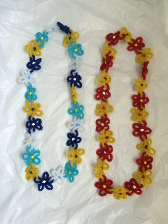 & Pipe Cleaner Flower Lei