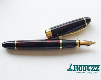 fountain pen dark red