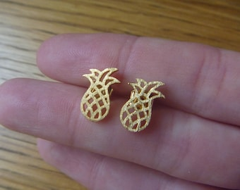Golden delicious pineapple earrings
