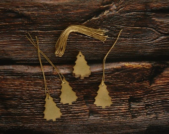 Small Pine Tree Hang Tags ~ Coffee Stained ~ Primitive Farmhouse Tags ~ Christmas Gift Tags ~ Handmade