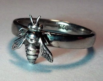 Handmade Sterling Silver Bee Band Ring. Size 7. Great Detail, Best Quality! .925 Solid Silver!