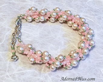 Pink & White Pearl Bracelet / Jewelry / White Pearls / Bead Weaving / Women's Fashion / Valentine / Pearl Bracelet / Beads / Seed Beads