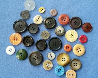 Vintage Button Assortment Mix, 30 vintage buttons, instant collection no. 3