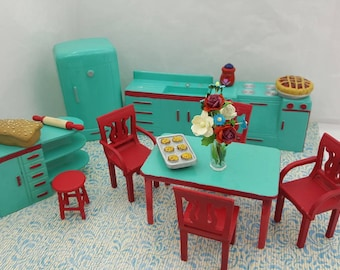Plasco  Kitchen Toy Dollhouse Traditional Style 1944 fridge Stove Sink Counter Table Chairs