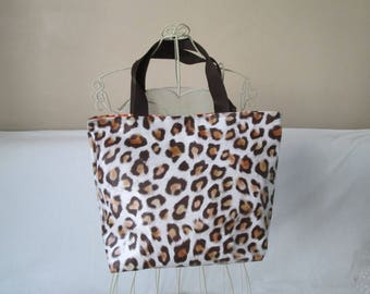 "tote bag in Leopard print """" model medium waxed canvas lunch bag"