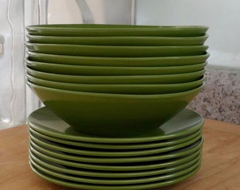 Vintage Melamine Dishes, Avocado Green Melmac Dishes, Set of 16 Saucers and Plates, Vintage Dishes