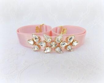 Light pink belt. Elastic waist belt. Swarovski belt. Crystals belt. Sparkly belt. Bridal belt. Bridesmaids belt. Dress belt.