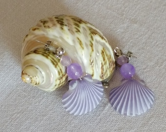Pendant earrings with color wisteria shell