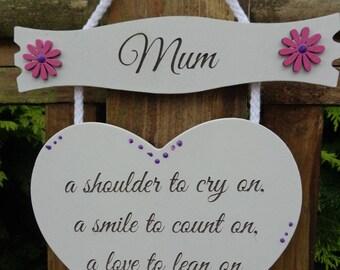Mum Printed White Wooden Shabby Chic Hanging Heart pink / Purple Flowers