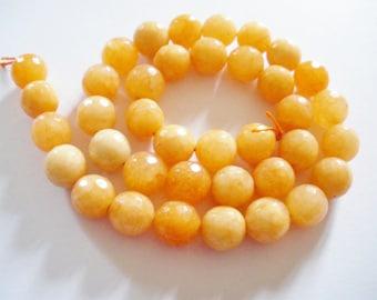 38 Perles de jade a facettes 10 mm
