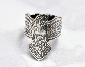 Silver raven ring, Celtic ravens jewellery, wrap around raven, corvid ring, norse jewelry, celtic armour ring, crow ring, crow shield ring