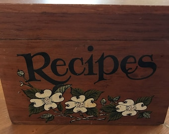 Vintage wood recipe box with dividers and blank recipe cards!!