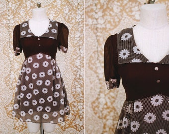 vintage 1960's brown & white daisy baby doll mini dress / size s