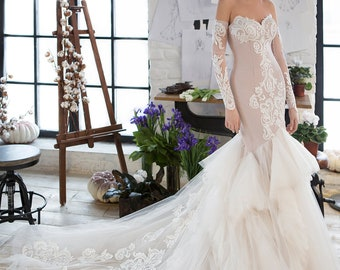 Mermaid wedding gown, 3D lace, detachable sleeves, tight silhouette, tan color, lace train, wedding dress with flounces, tulle wedding gown