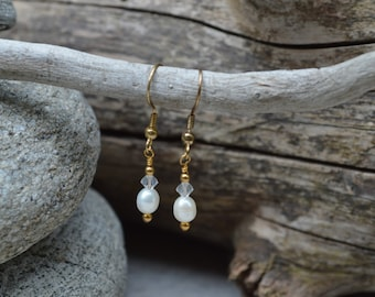 Freshwater Pearl & Swarovski Crystal Earrings