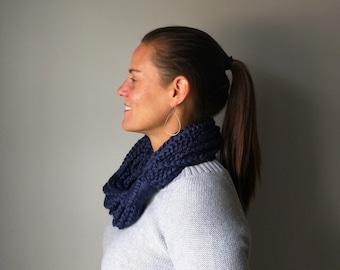 Navy Chain Scarf / Short / Navy Blue Scarf / Blue Infinity Scarf / Navy Circle Scarf / Chunky Crochet Scarf / Crochet Chain / Scarf Necklace