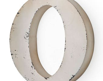 Letter or antique ivory-colored metal 29X5X30 cm