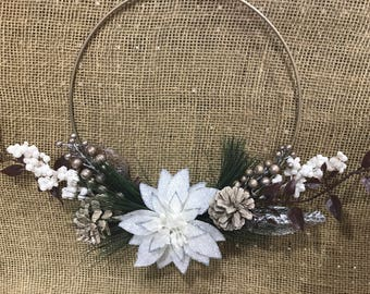 Simple Holiday Florals Wreath