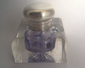 Quality anrique glass ink well with silver hinged cap - London 1902