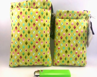 Padded pipe pouch - 420- Green back diamonds - Black Felt Inside