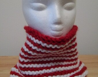 Neckwarmer - Hand Knitted Neckwarmer in Red and White Bulky Yarn