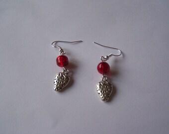 Silver Strawberry BO41 red pearls earrings