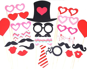Valentines Day Photo Booth Prop Set - 24 pieces on a stick - Great Photobooth Props - Valentines Day Props