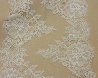 Ivory lace Trim, French Lace, Chantilly Lace, Bridal lace Wedding Lace White Lace Veil lace Scalloped Floral lace Lingerie Lace L91024_1