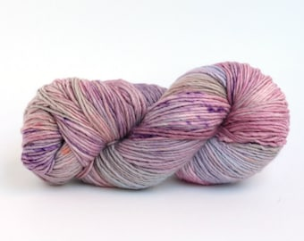 Hand dyed yarn handspun Lilac Shade Laurel worsted 100% Merino, softly speckled