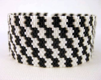 Peyote Pattern - Black and White - INSTANT DOWNLOAD PDF - Peyote Stitch Bracelet Pattern - Houndstooth Pattern - One Drop Even Peyote