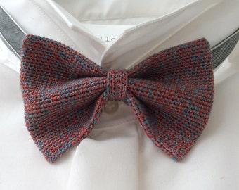Knitted fly, silk/wool, medium blue/red/fuchsia/Ivory