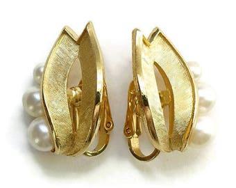 Vintage Crown Trifari Goldtone Faux Pearl Clip Earrings Bridal Bride Wedding Jewelry