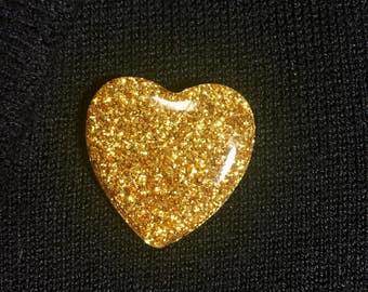 Glitter heart resin brooch