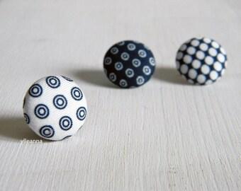 Lapel pin. Mens lapel button pin. Round boutonniere. Blue lapel pin. Blue bouttoniere.  Geometric buttonhole.