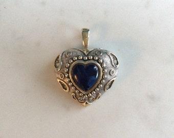 AGATHA BLUE Heart pendant