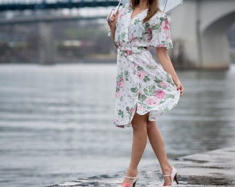 Vintage Pink And White Floral Rose Dress (Size Large)