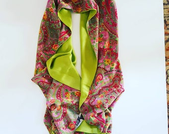 Vintage stole with acid green interior in viscose and pink outside with pure silk floral pattern