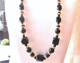 "10% OFF Necklace Black & Gold Tone 29"" Vintage 1980s Chunky Lucite Perfect Condition SHIPPING SPECIAL 0618 13635"