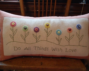 Stitchery Pillow pattern,includes woolfelt pieces and bee button