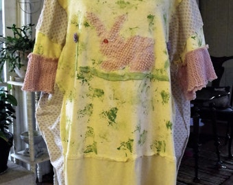 2-3X Easter Tunic/ Pink Bunny Tunic/ Splatter Painted Plus Size Top/ Appliqued Easter Tunic/ Sheerfab Easter/ Wearable Art/ Bunny Applique