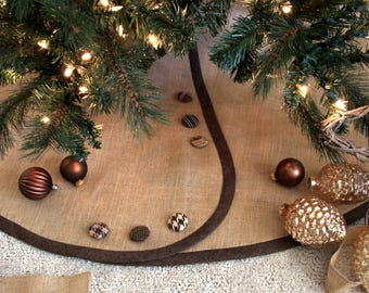 """LAST Burlap Christmas Tree Skirt -- Ships AT ONCE -- Chocolate """"Linen"""" Band, Your Choice of Buttons"""