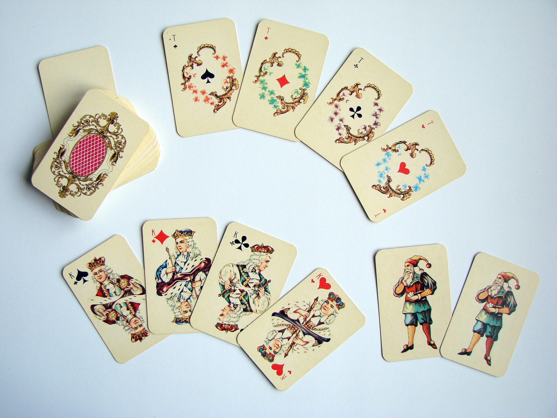 Miniatura Vintage jugando a las cartas estilo rococó ruso