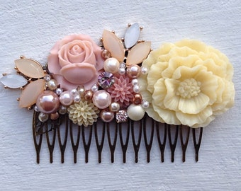 Hair Comb/Floral Hair Piece/Floral Comb/Bridal Hair Comb/Bridesmaid Gift/Wedding Hair Comb/Blush Pink Hair Comb/Garden Wedding/Woodland